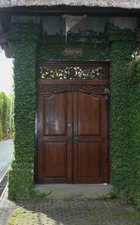 Andari Bali Villas : Entry to Villa Sambawa