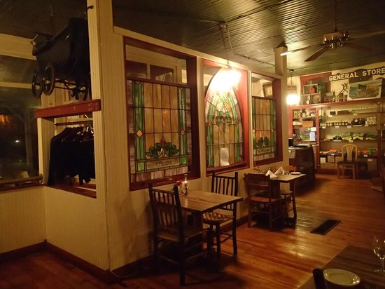 The Story Inn Restaurant: diningroom