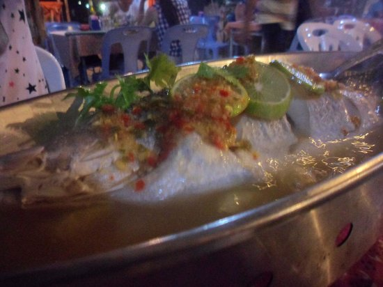 E-San Seafood : Steamed Snapper Fish