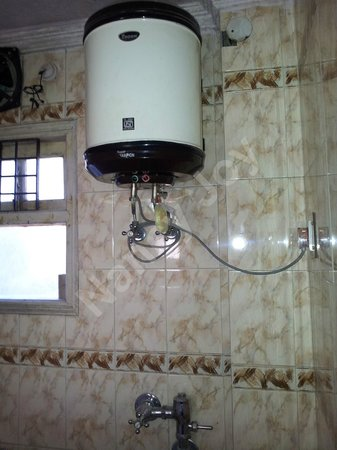 Apple Regency: Hot water heater