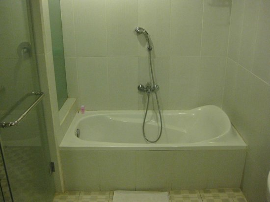 Biyukukung Suites and Spa: 浴槽あります
