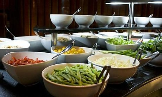 Chamas: salad bar zoom in