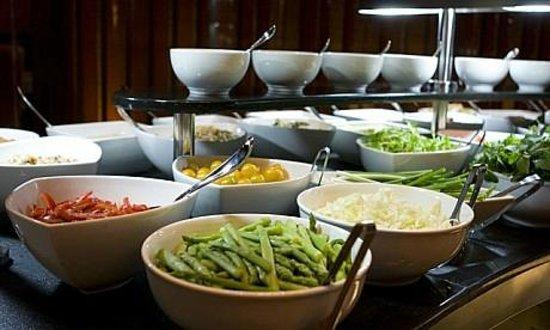 Chamas: salad bar zoom in