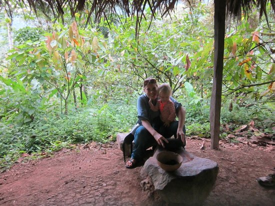 Oreba Chocolate Tour: Grinding toasted cacao!
