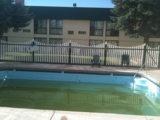 Ramada Pocatello: This was the pool in August 2013