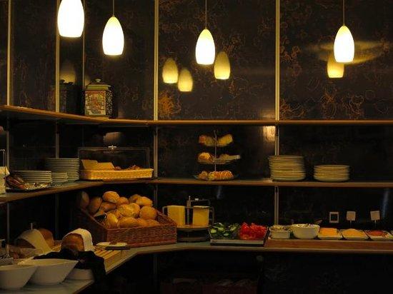 Saga Hotel : Breakfast area