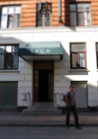 Saga Hotel: Hotel entrance