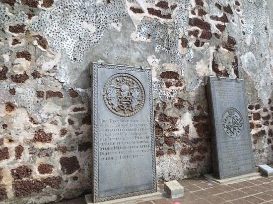 St. Peter's Church : 墓石