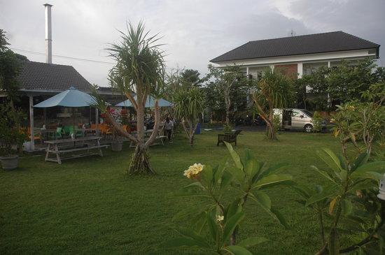 Jepun Bali Homestay : Front side Garden Jepun Bali