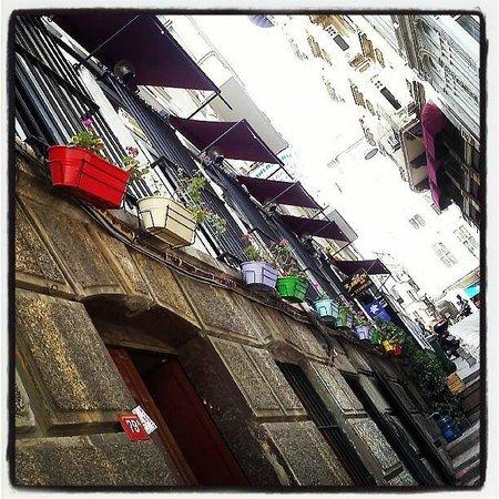 Rooms Galata: Το δρομάκι του ξενοδοχείου