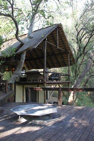 Pondoro Game Lodge: Sitting platform
