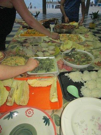 Joelan Beach Fales : hora de la cena