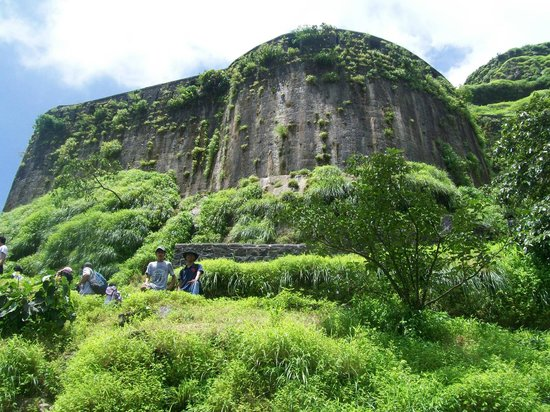 Khandala, India: Lohagad fort walls