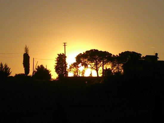 Agriturismo le Docce: Puesta de sol desde Le Docce