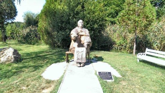Rupite: Baba Vanga statue