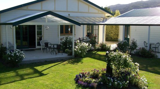 Wairarapa, New Zealand: Garden view