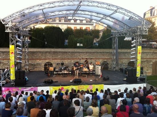 Ibis Reims Centre: live music concert in Reims a few minutes walk from Ibis Centre hotel