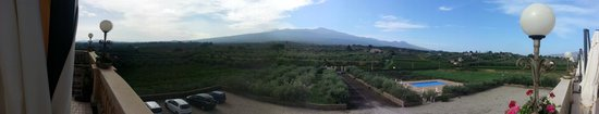 Hotel Feudo Vagliasindi: Panoramic view from the front