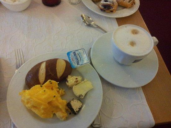 Hotel Minerva : Breakfast