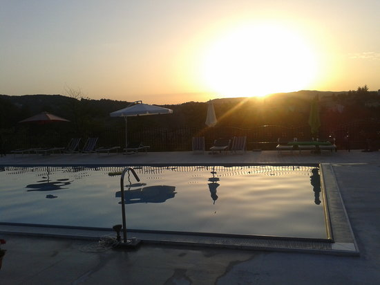 Agriturismo Al Palazzetto: piscina fantastica
