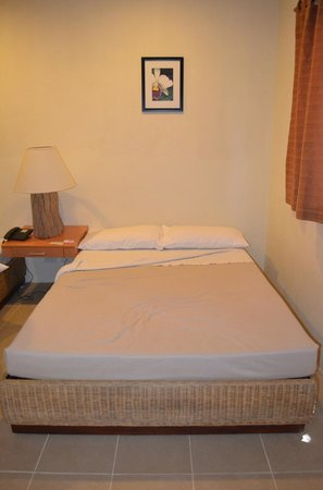 Almont Beach Resort: one of the two beds in the room