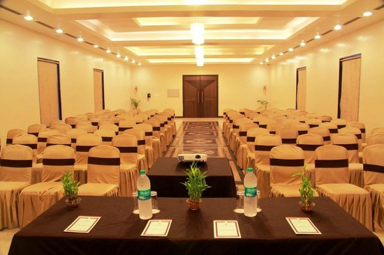 Amantra Comfort Hotel: SYNERGY SQUARE