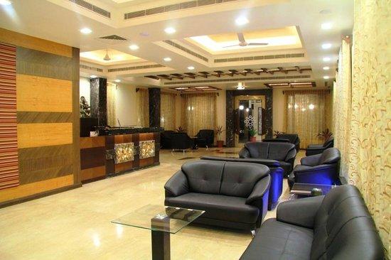 Amantra Comfort Hotel: LOBBY LOUNGE