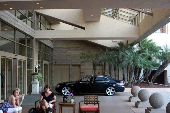 InterContinental Los Angeles Century City: Hotel Limo ...