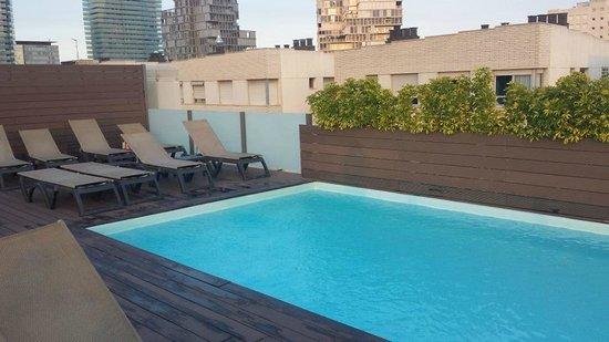 أتيكا 21 برشلونة مار: pool