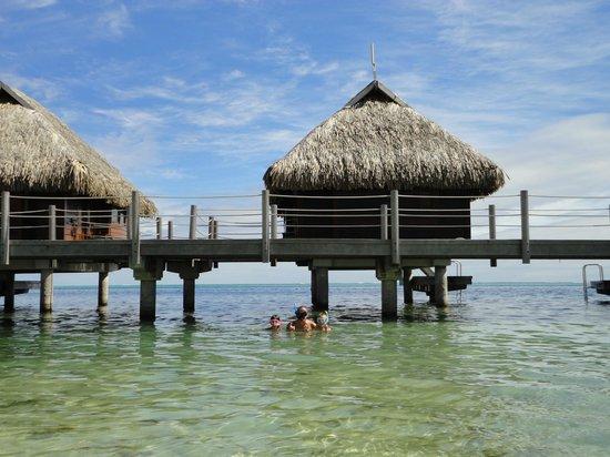 Manava Beach Resort & Spa - Moorea: Accesso al mare
