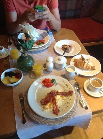 Hotel Princess Bergfrieden: ns breakfast