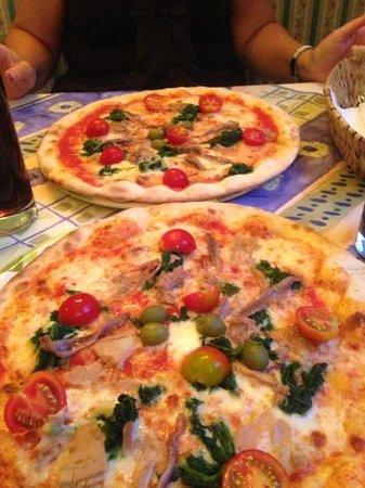 Pizzeria Da Sergio: pizza torcida