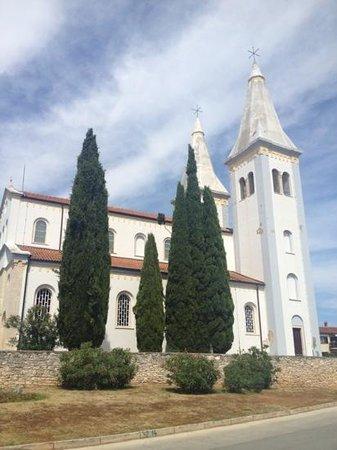 Medulin Village: medulin church