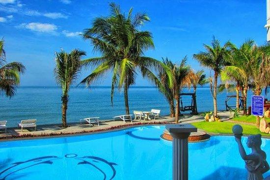Mui Ne Paradise Beach Resort: swimming pool