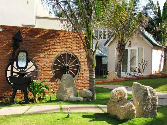 Mui Ne Paradise Beach Resort: corner of garden