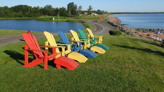 Pictou Lodge Beachfront Resort: le poltrone relax