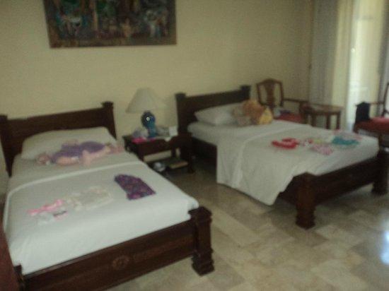 Hotel Kumala Pantai: kids room/ ambassador room