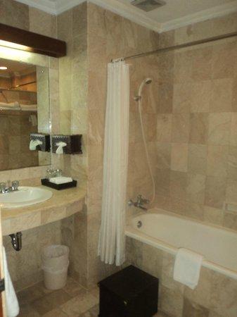 Hotel Kumala Pantai: kids bathroom