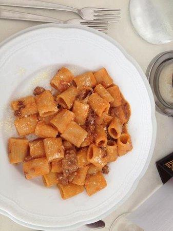 Hotel Principe: mezza maniche radicchio e salsiccia