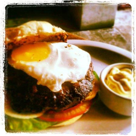 Sugar Bar: Delicious Burgers