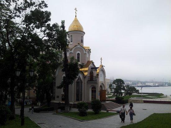 Nikolai's Triumphal Arch/ Arch of Prince Nicholas: in the park