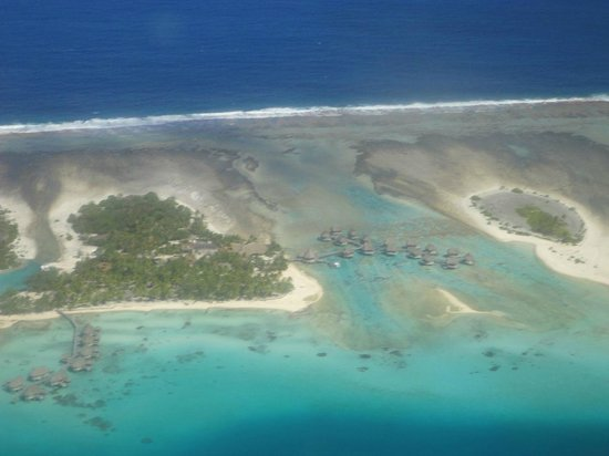 Tikehau Pearl Beach Resort: Hotel dall'aereo