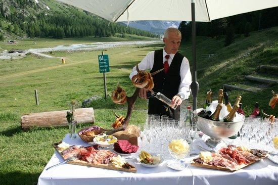 Hotel Restaurant Roseg Gletscher: Apéro