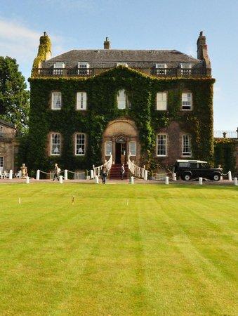Culloden House: View of the facade