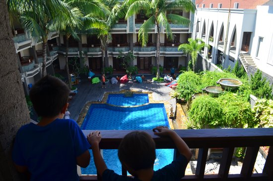 The Vira Bali Boutique Hotel & Suite : Pool view from family room