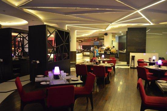The Vira Bali Hotel: dining area