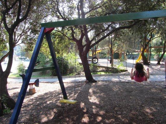 Valamar Club Dubrovnik : Playground Swing