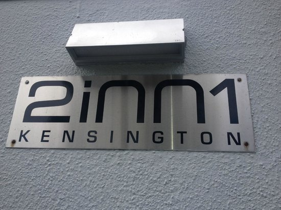 2Inn1  Kensington: Entrance