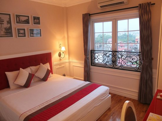 Calypso Suites Hotel: Chambre dernier étage