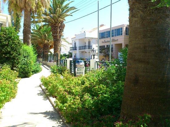 Hydrele Beach Hotel & Village: il verde dell'hotel